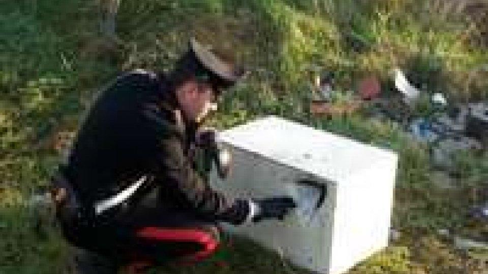 """Carabinieri ritrovano la cassaforte asportata domenica a sera al """"Trony"""""""
