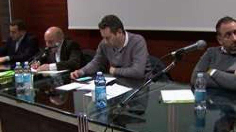 """Consiglio Centrale DcDc: parlamentino """"infuocato"""", baruffa tra Lonfernini e Mazza"""