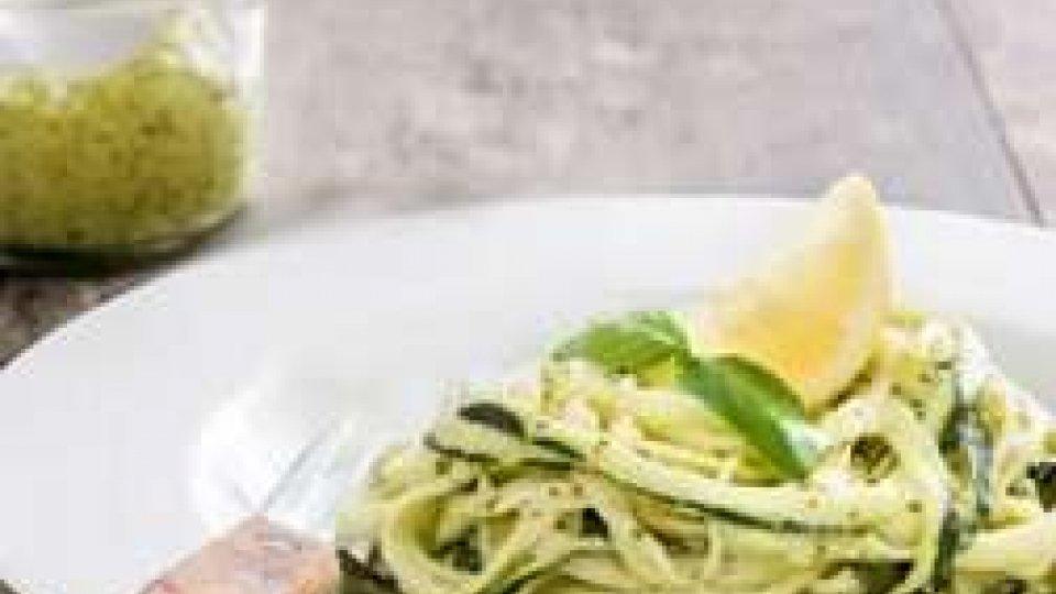 Cucina Veg: SPAGHETTI DI ZUCCHINA AL PESTO DI ORTICHE