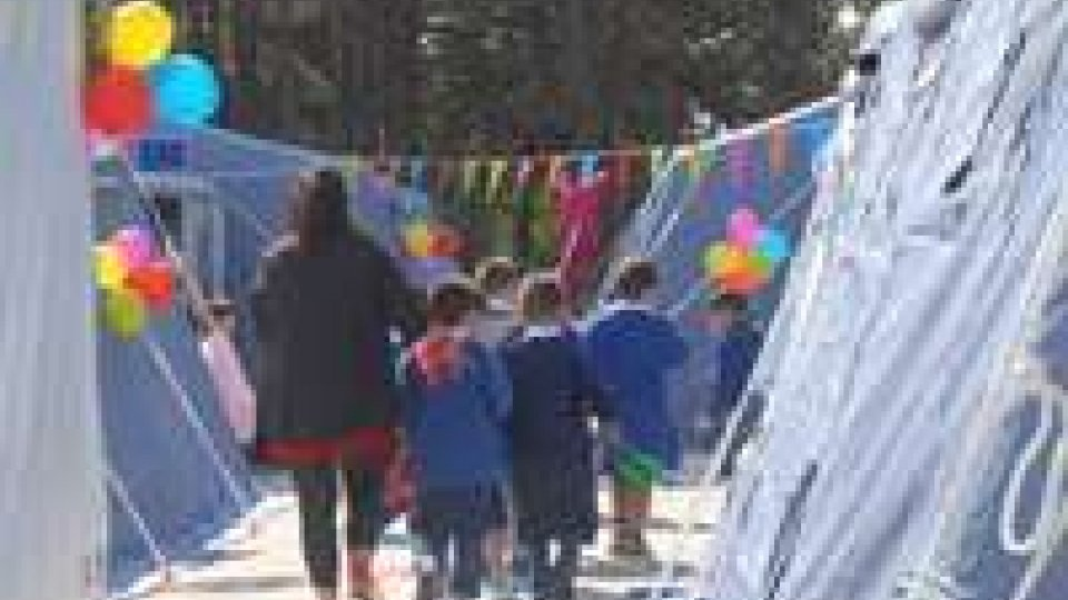 Primo giorno di scuola nelle tende a Norcia