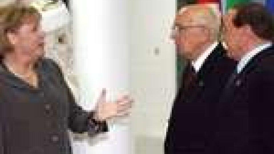 Politica italiana. Secondo il Wall Street Journal la Merkel chiese a Napolitano di sostituire Berlusconi per salvare l'euro