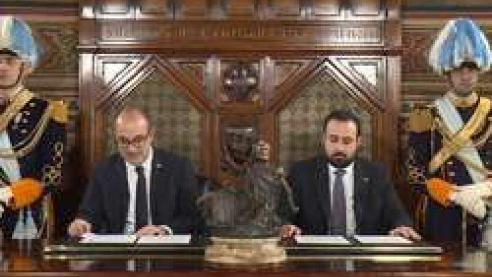 Gli Ecc.mi Capitani Reggenti Matteo Fiorini e Enrico CarattoniMessaggio di fine anno degli Eccellentissimi Capitani Reggenti