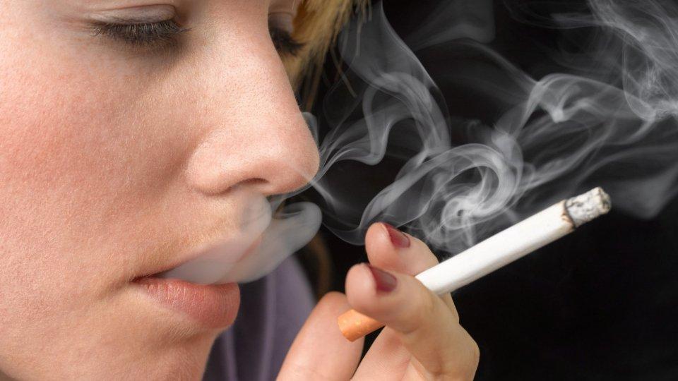 """No Tobacco Day: sono donne i """"grandi fumatori"""""""