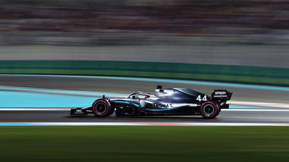 Hamilton conquista anche l'ultima pole