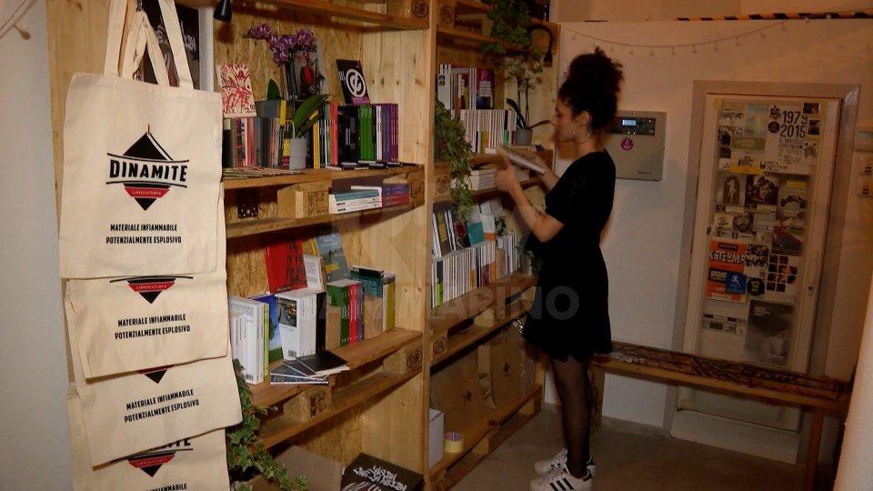 """Al Macello inaugurata """"Dinamite"""", libreria temporanea"""