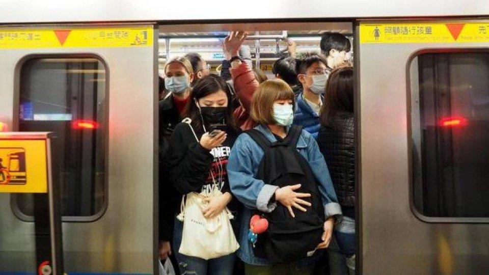 Coronavirus: falso allarme a Bari; Oms non dichiara l'emergenza internazionale