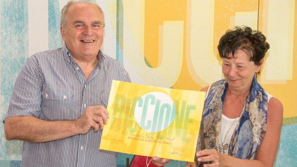 Da 62 anni in vacanza a Riccione, coniugi di Como premiati