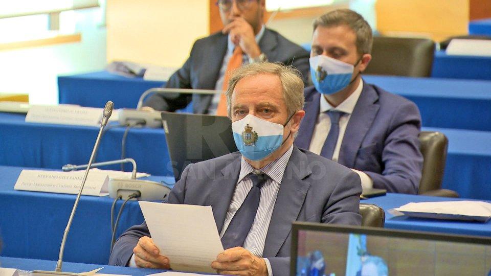 A tutti i consiglieri due mascherine con il simbolo e i colori della Repubblica: un dono postumo del compianto consigliere Gian Franco Terenzi