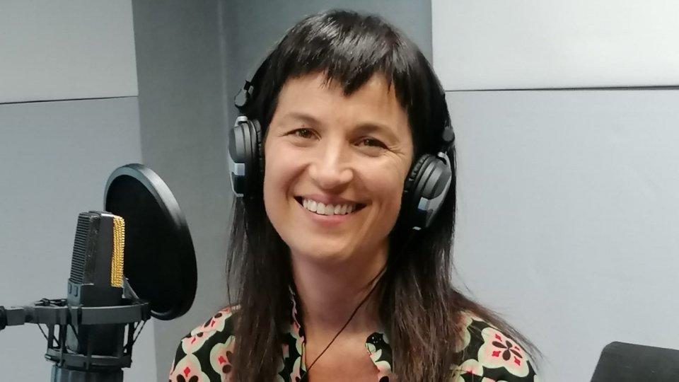 """#IOSTOCONGLIARTISTI - """"SENTI CHE ESTATE"""": Laura Benvenuti"""