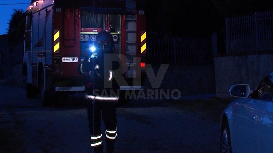 Serravalle: auto sammarinese prende fuoco, Polizia Civile indaga
