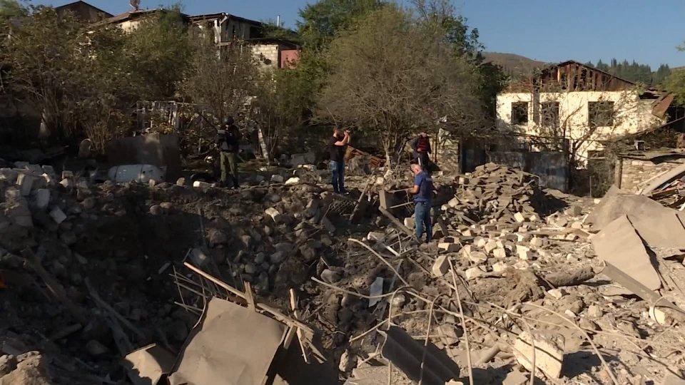 'Cessate il fuoco' in Nagorno-Karabakh: Baku esulta, disordini a Erevan