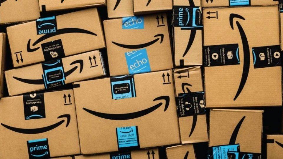 Forbes: la pandemia porta 660 nuovi ricchi, Mister Amazon sempre al top, Del Vecchio in Italia
