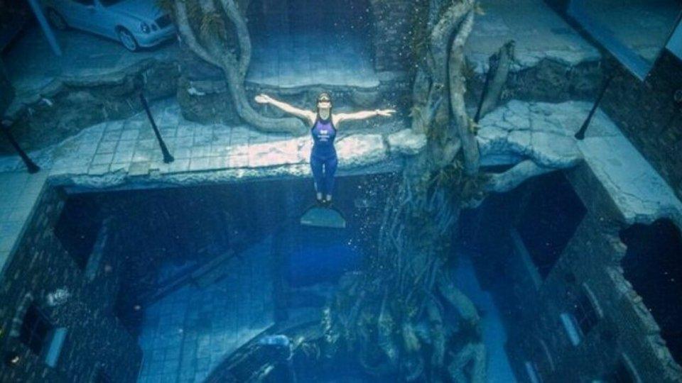Deep Dive Dubai, la piscina per le immersioni più profonda del mondo
