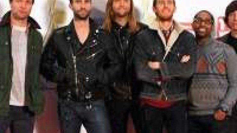 "Maroon 5, ecco la nuova ""What lovers do"""