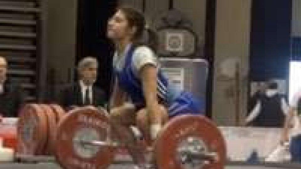 Pesi: grave infortunio per Carol Tartaglia