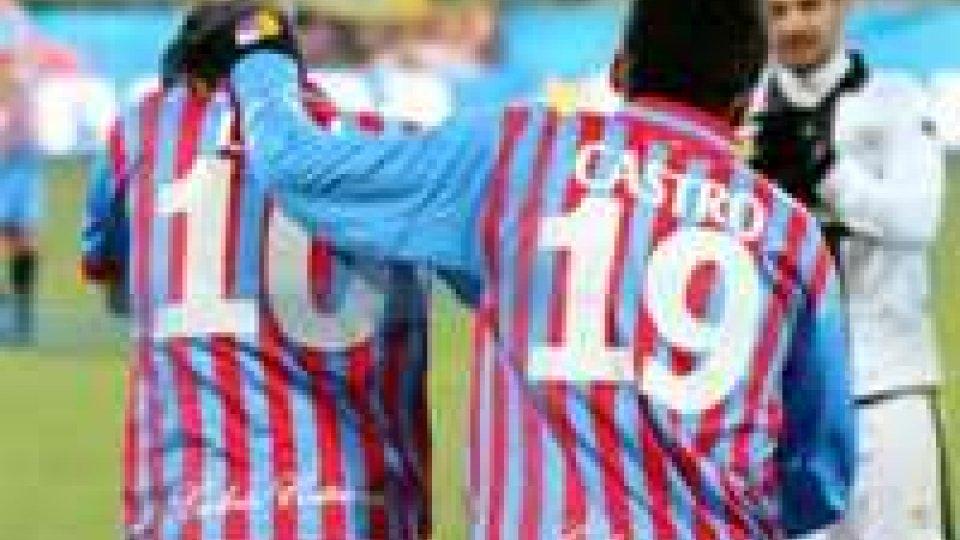 Francesco Lodi festeggia il gol del pareggio al 18'.