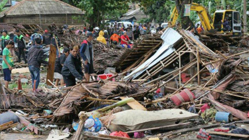 Foto ansaIndonesia: cresce il bilancio delle vittime dello tsunami. Sistema di allarme fermo dal 2012