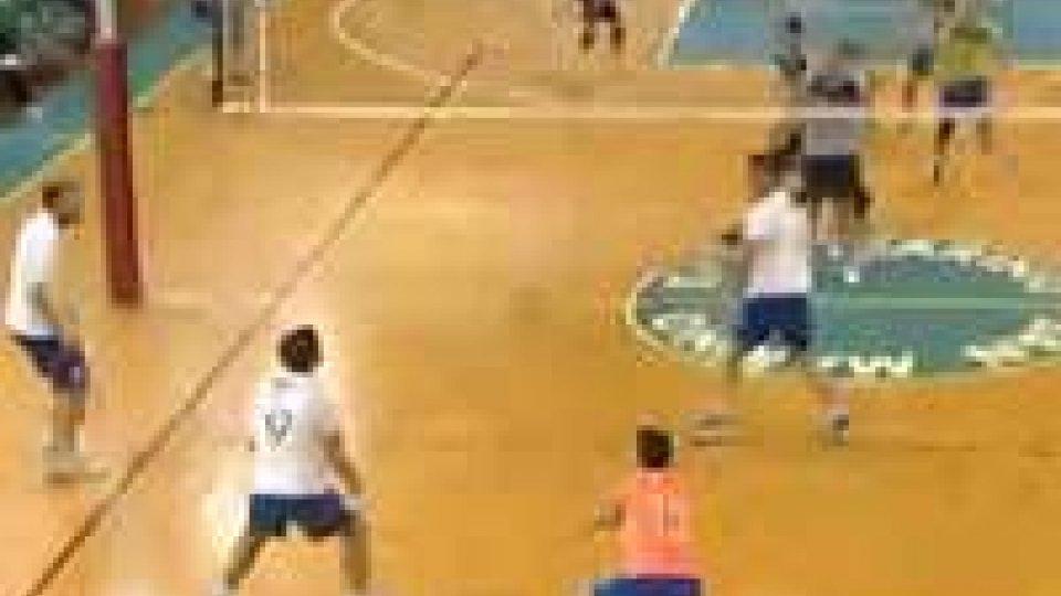 Volley: ok la Titan Services, al tie-break cade la BSMVolley: ok la Titan Services, al tie-break cade la BSM