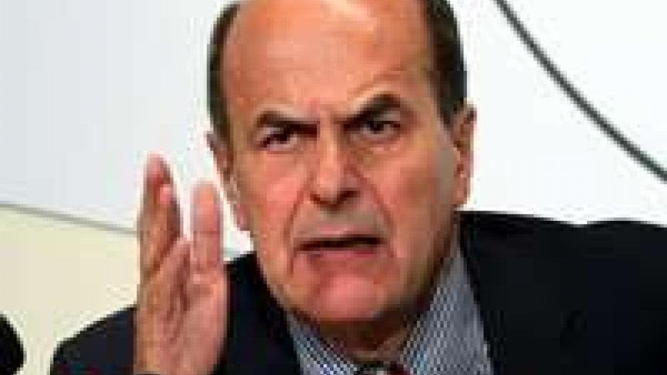 Bersani punge Monti, botta e risposta con Casini
