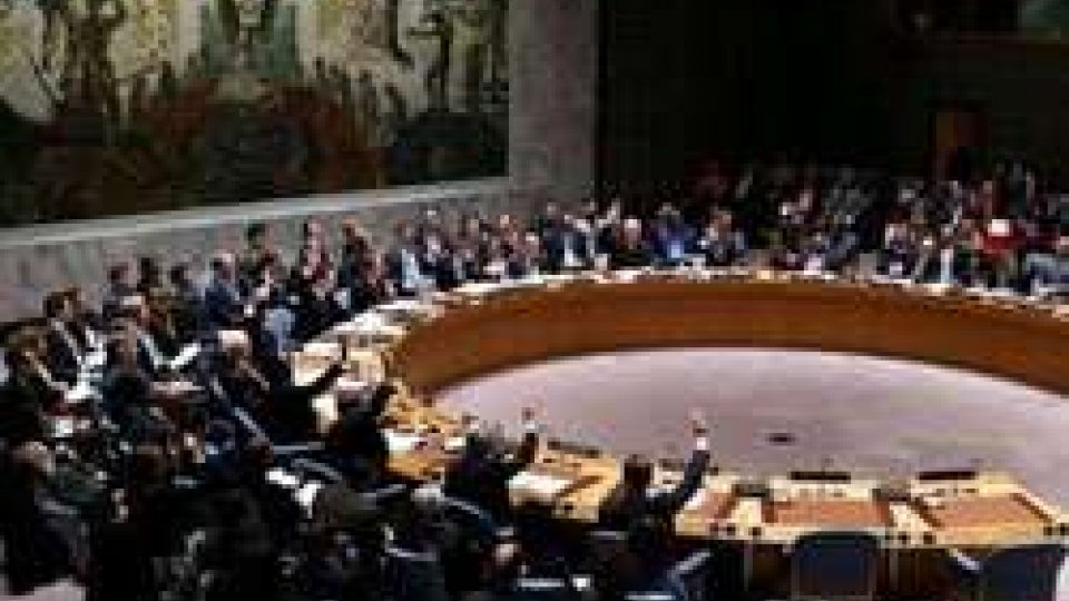 Siria, ONU approva risoluzione per inizio negoziati di pace
