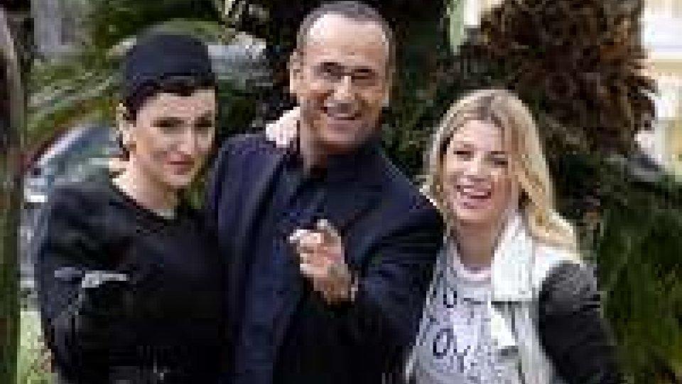 Sanremo 2015, Emma e Arisa al fianco di Carlo Conti