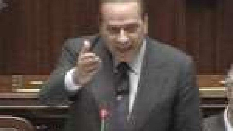 Dopo la vittoria risicata alla Camera, per Berlusconi l'imperativo è allargare la maggioranza