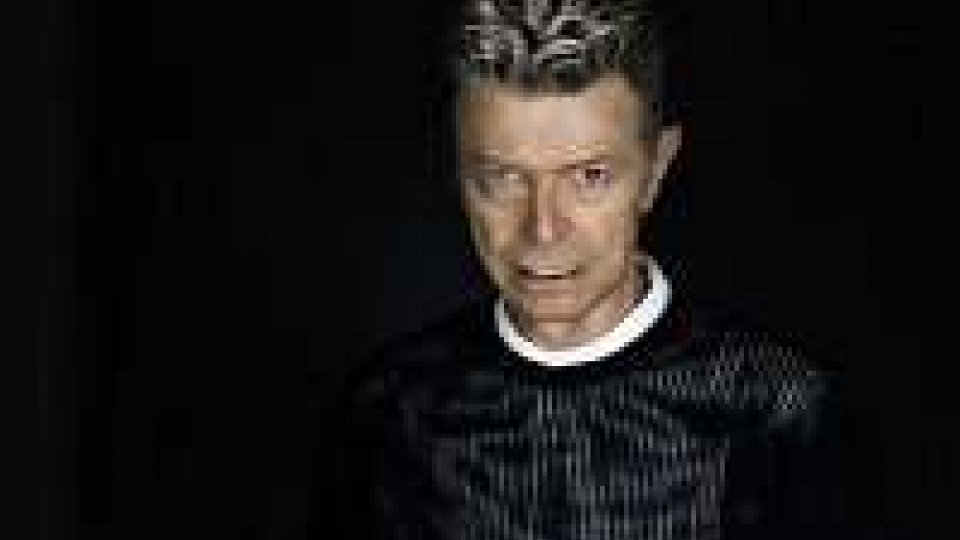 David Bowie, il 18 dicembre esce brano Lazarus