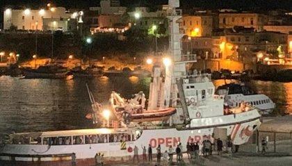 Open Arms a Lampedusa: tutte sbarcate le persone a bordo