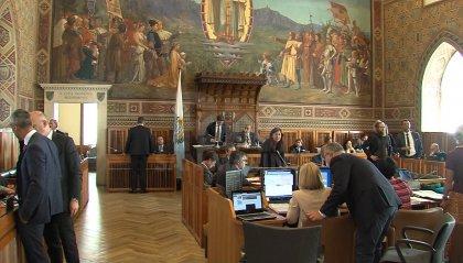 Colpo di scena in Consiglio: non passa la procedura d'urgenza per la variazione di bilancio