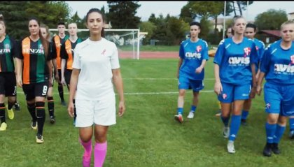 Le ragazze in campo per la prevenzione del tumore al seno