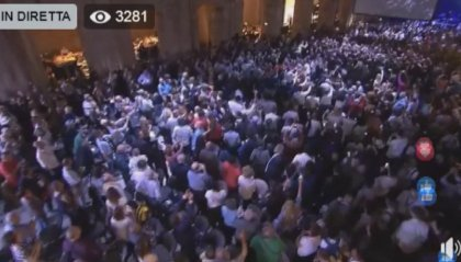 Centro Destra scende in piazza mentre alla Leopolda nasce Italia Viva