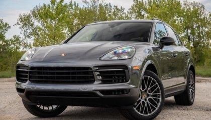 Paga Porsche con un assegno falso, denunciato un 60enne a Coriano
