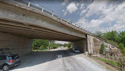 E45: crolla parte del fondo stradale di un cavalcavia a Cesena