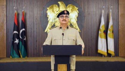 Libia: Haftar abbandona il vertice di Mosca, ma la fragile tregua sembra ancora tenere