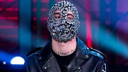 Giù la maschera per Junior Cally!