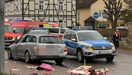 Germania: auto contro un corteo di Carnevale, ci sono feriti