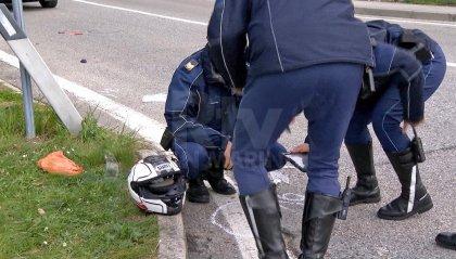 È morto il motociclista coinvolto nell'incidente a Serravalle