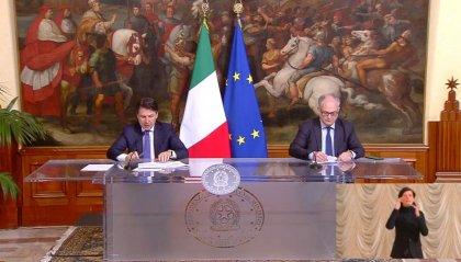 """Nuovo Dpcm, Conte e Gualtieri: """"4,3 miliardi ai Comuni e 400 milioni per generi alimentari ai cittadini"""""""