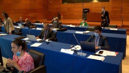 Debito estero: accordo tra Maggioranza e Libera mentre Rf si astiene