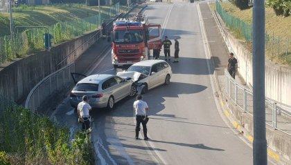 Bellaria: frontale tra Bmw, un conducente scappa ma viene rintracciato in spiaggia