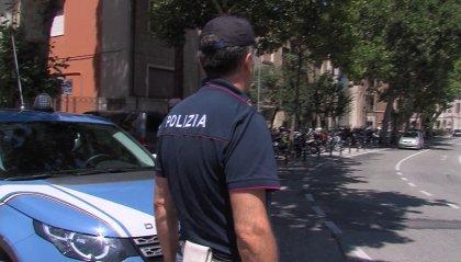 Rimini: sorpreso sulla moto ubriaco e con un pezzo di cartone al posto della targa