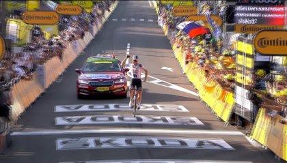 Tour de France, Søren Kragh Andersen ha vinto la diciannovesima Tappa del Tour de France. Roglic resta in giallo