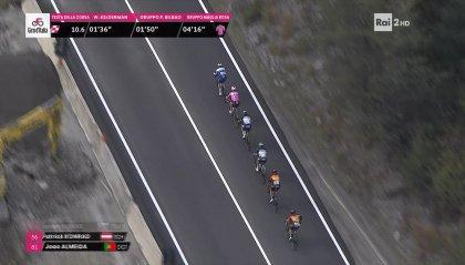 """Maltempo, i corridori """"accorciano"""" la tappa odierna del Giro"""