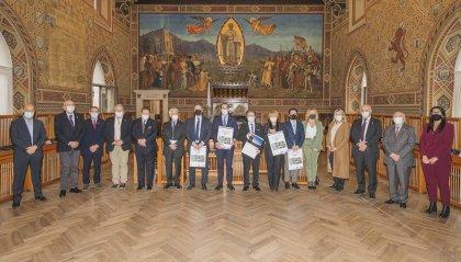 """Banca di San Marino in udienza dagli Eccellentissimi Capitani Reggenti per presentare il calendario 2021 """"Paesaggi sammarinesi - Ambiente & Territorio"""""""