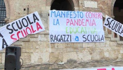 """Didattica a distanza: il Tar dell'Emilia Romagna sospende l'ordinanza. Bonaccini: """"proporrò apertura lunedì"""""""