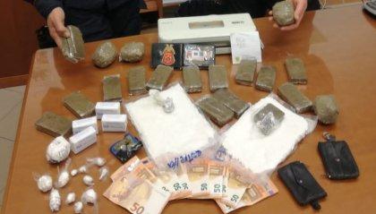 Carabinieri: scoperto market della droga in casa di un fabbro che lavora a San Marino