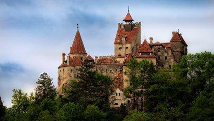 Il turismo vaccinale nel castello di Dracula