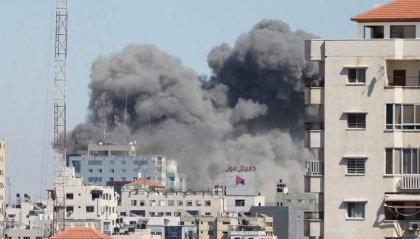 Gaza: colpito grattacielo al-Jala, sede di al-Jazeera e di media internazionali