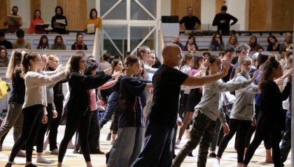 Coreografie dei corpi: ballare senza vedere